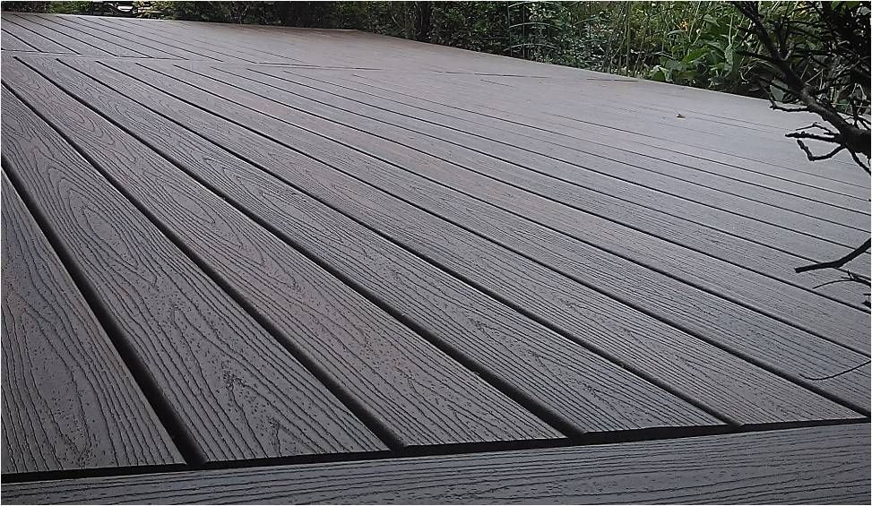 Composite decking review trex transcend decking review for Composite deck boards reviews