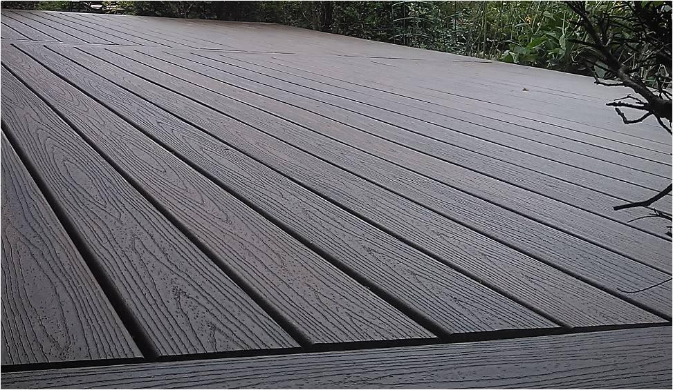 Composite decking review trex transcend decking review for Composite decking reviews